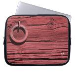 Madera roja rústica con la manga 10 del neopreno d fundas ordendadores