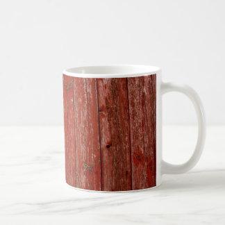 Madera roja vieja taza clásica