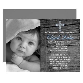 """Madera rústica con bautismo de la foto de la cruz invitación 5"""" x 7"""""""