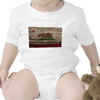 Madera rústica de la bandera de California Traje De Bebé