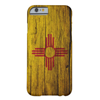 Madera rústica de la bandera de New México Funda De iPhone 6 Barely There