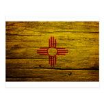 Madera rústica de la bandera de New México Postales