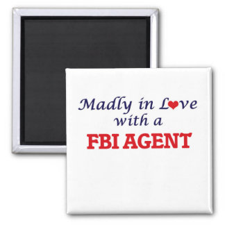 Madly in love with a Fbi Agent Magnet