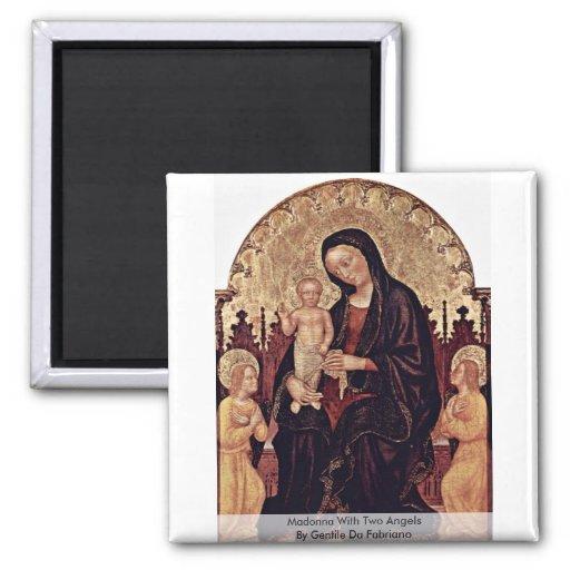 Madonna con dos ángeles de Gentile da Fabriano Imán Cuadrado