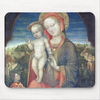 Madonna de la humildad adorado por Leonello d'Este Mousepads