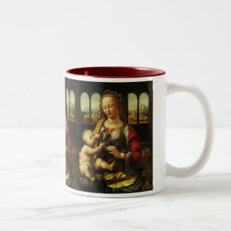 Madonna del clavel de Leonardo da Vinci Taza De Dos Tonos