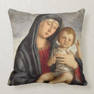 Madonna y niño (aceite en el panel) 2 almohada