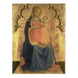 Madonna y niño, el panel central de un tríptico postales