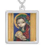Madonna y niño en el icono de Maria del COLLAR de