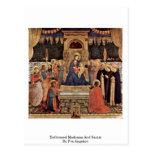 Madonna y santos Enthroned por Fra Angelico Postal