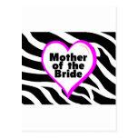 Madre de la novia (rayas de la cebra del corazón) tarjeta postal