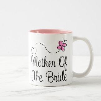 Madre de la taza del boda de la novia