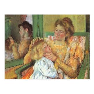 Madre de Maria Cassatt- que peina el pelo de su ni Postales