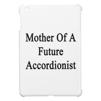Madre de un acordeonista futuro