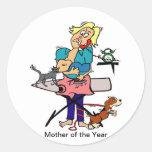 Madre del año pegatina redonda