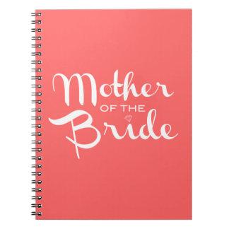 Madre del blanco de la novia en el melocotón libro de apuntes