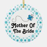 Madre del navidad de la novia que casa el ornato