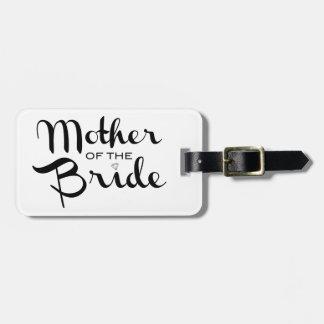 Madre del negro de la novia en blanco etiqueta para maleta
