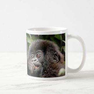 Madre del Ugandan y gorila del bebé Taza Clásica
