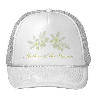 Madre floral amarilla del gorra del novio