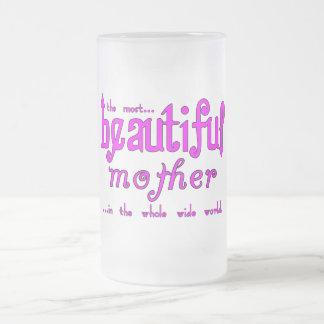 Madre hermosa de las fiestas de cumpleaños de las  taza cristal mate