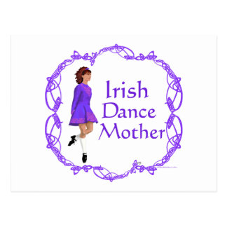 Madre irlandesa de la danza del paso - púrpura tarjeta postal