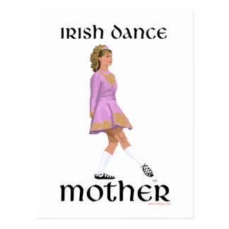 Madre irlandesa de la danza del paso - rosa postal