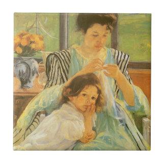 Madre joven que cose por Mary Cassatt, arte del Azulejo Cuadrado Pequeño