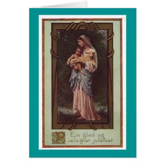 Madre Maria que sostiene la tarjeta del día de fie