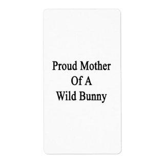 Madre orgullosa de un conejito salvaje etiqueta de envío