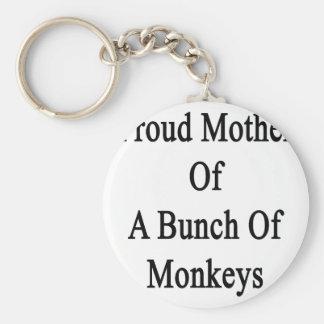 Madre orgullosa de un manojo de monos llavero redondo tipo pin