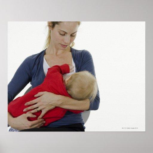 Madre que amamanta a su bebé impresiones