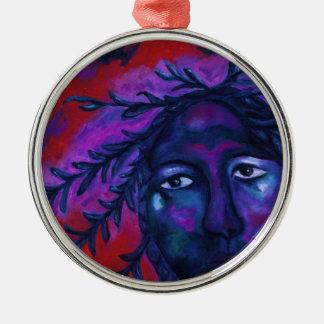 Madre que mira la compasión carmesí y violeta adorno navideño redondo de metal