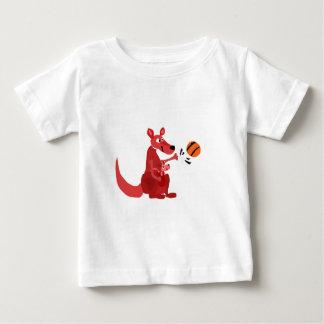 Madre y bebé del canguro YY con baloncesto Remera