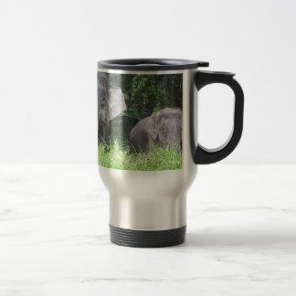 Madre y bebé del elefante taza de viaje