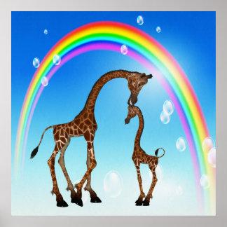 Madre y jirafa y arco iris lindos del bebé póster