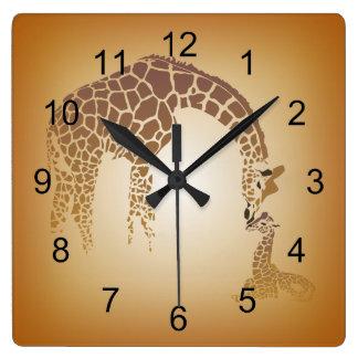 Madre y moreno lindo de la jirafa el | del bebé reloj cuadrado