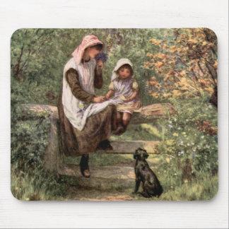 Madre y niño del vintage en un ajuste del país tapete de ratón
