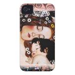 Madre y niño por el collage de Gustavo Klimt Case-Mate iPhone 4 Cárcasa
