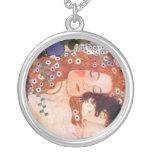 Madre y niño por Klimt Collar Personalizado