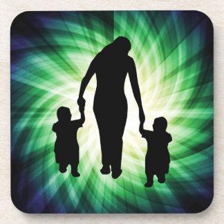 Madre y niños; Refresque el diseño Posavaso