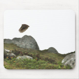 Madriguera el búho en vuelo tapete de ratón