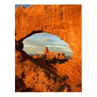 Madrugada en el arco de la torrecilla visto con el tarjetas postales