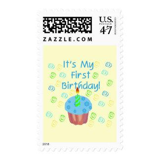 Magdalena azul con de la vela cumpleaños primero sello