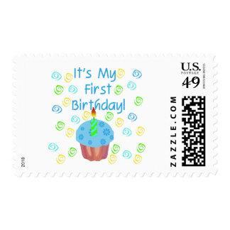 Magdalena azul con de la vela cumpleaños primero sellos postales