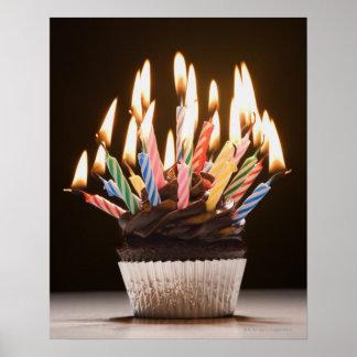 Magdalena con las velas del cumpleaños poster