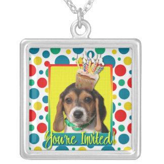 Magdalena de la invitación - perrito del beagle -  pendiente personalizado