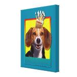 Magdalena del cumpleaños - beagle impresión en lienzo estirada