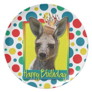 Magdalena del cumpleaños - canguro platos para fiestas