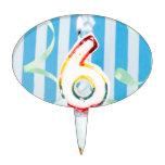Magdalena del cumpleaños con el número seis velas  figura de tarta